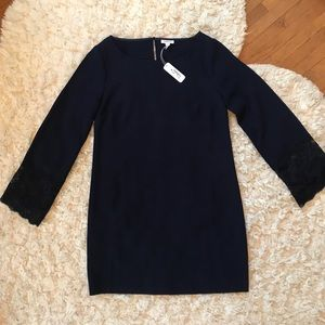 Nwt Navy dress w/mid-length bell sleeves lace trim
